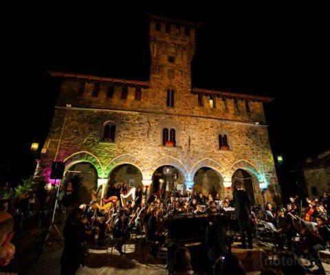 Orchestra Sinfonica di Castelluccio- Matteo Parmeggiani & Alicia Galli